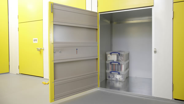 big yellow self storage storage rooms across the uk london. Black Bedroom Furniture Sets. Home Design Ideas